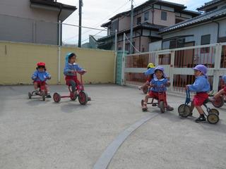 三輪車2.JPG