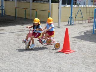 三輪車3.JPG