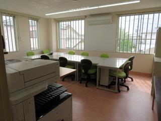職員室3.JPG